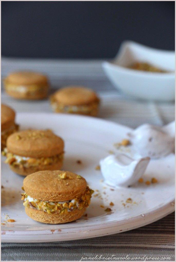 biscotti al malto d'orzo con ricotta e pistacchi