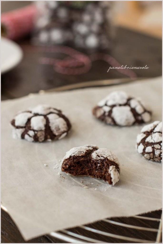 chocolate crinkle cookies-15